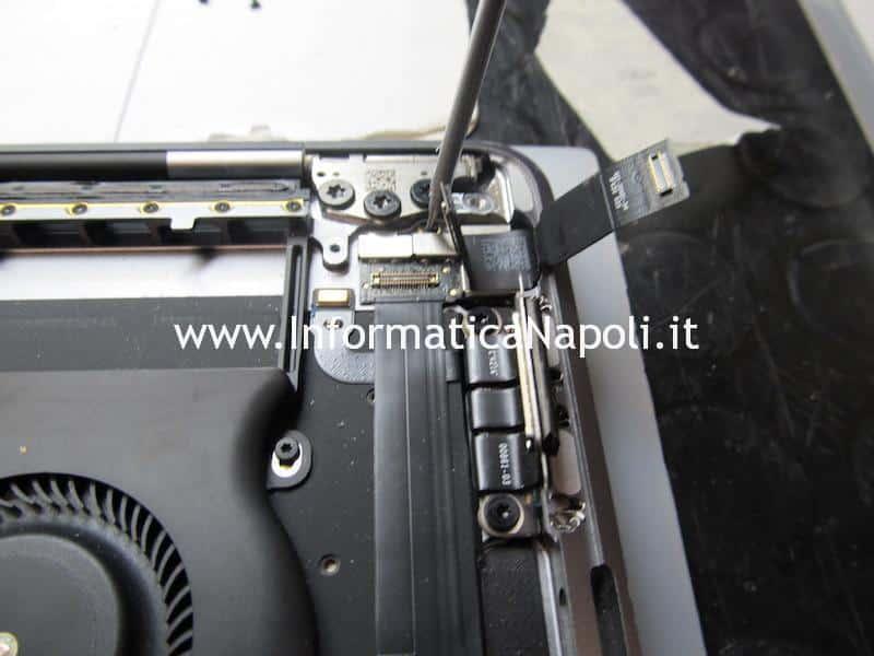 sostituire display e touch bar su MacBook Pro A1706 e A1707