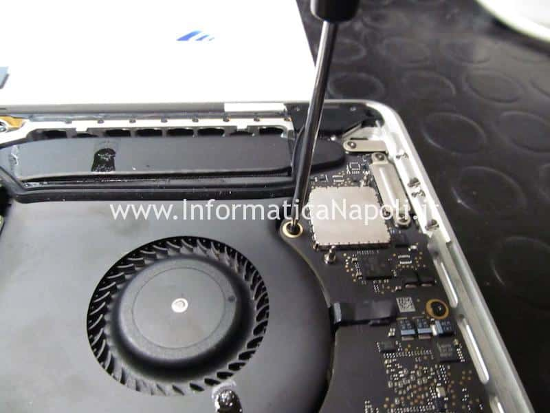 recupero dati disco MacBook Pro 13 2016 | 2017 4 porte Thunderbolt 3 TouchBar A1706