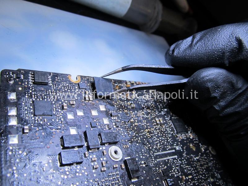 Problema batteria non rilevata MacBook Pro 13 A1278 SMC U4900 820-3115-A 820-3115-B