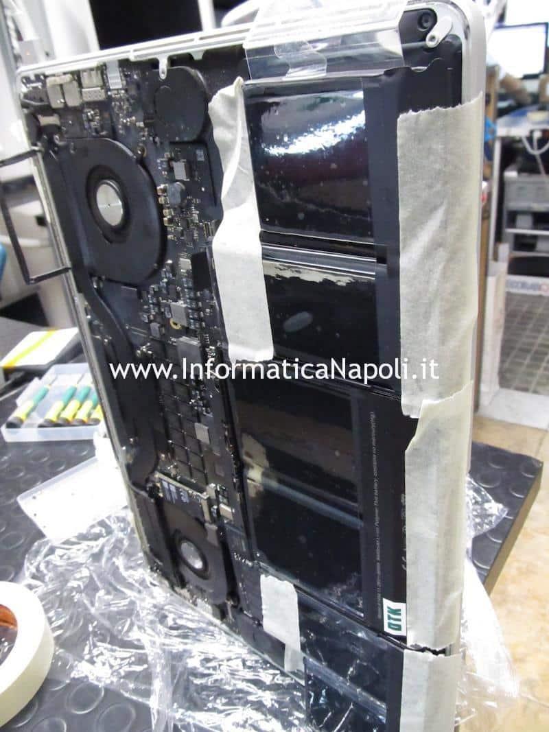 MacBook Pro 15 A1398 late 2013 820-3662-A 6259AHRTZ ISL6259 ISL6259AHRTZ U7100 con problema di ricarica riparato funzionante