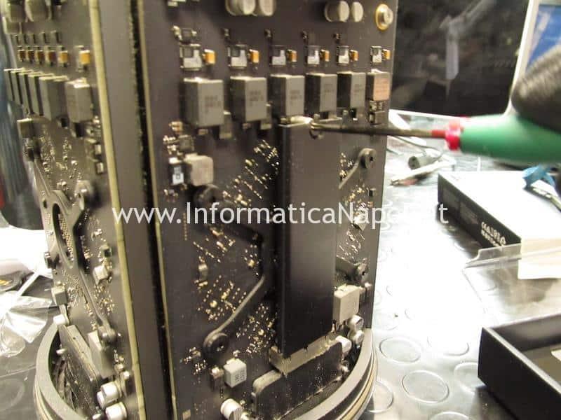 Come effettuare Upgrade flash SSD 1TB Mac Pro late 2013 A1481 EMC 2630 assistenza apple