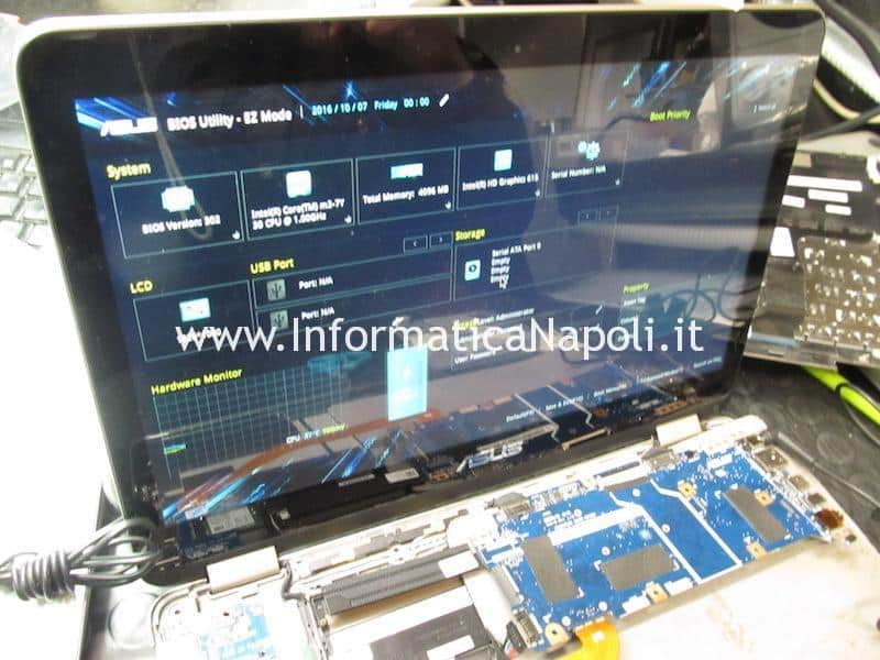 Asus zenbook flip UX360 funziona si accende