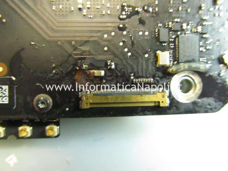 riparazione scheda madre connettore lvds iMac 21.5 27 A1418 A1419 2012 2013 2014 2k 820-3299-a