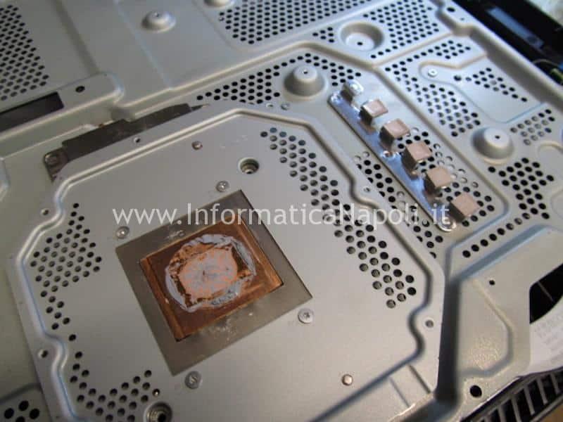 pulizia interna polvere dissipatore PS4 Pro playstation 4 sostituzione pasta termica