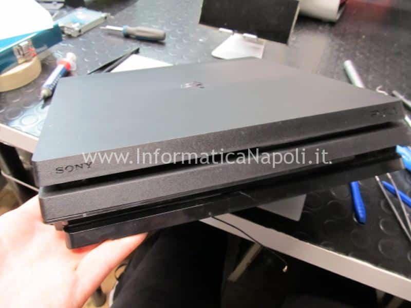 PS4 Pro problema ventola rumorosa spegnimento
