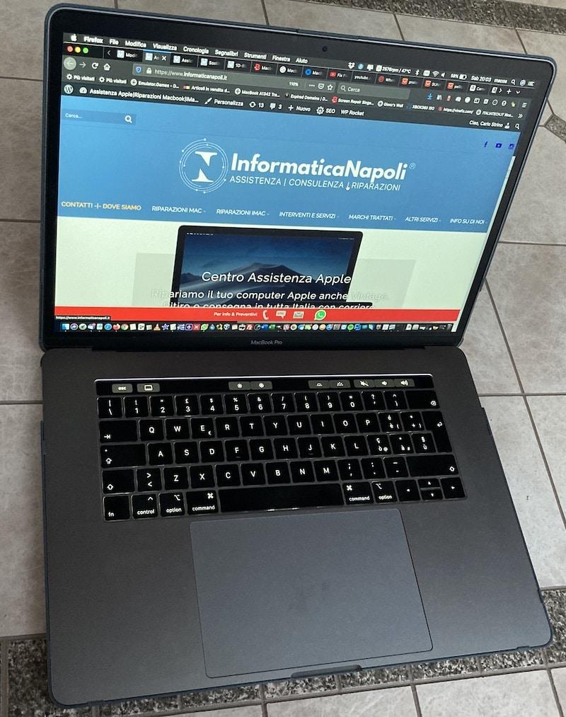 MacBook pro 15 A1990 2018 2019