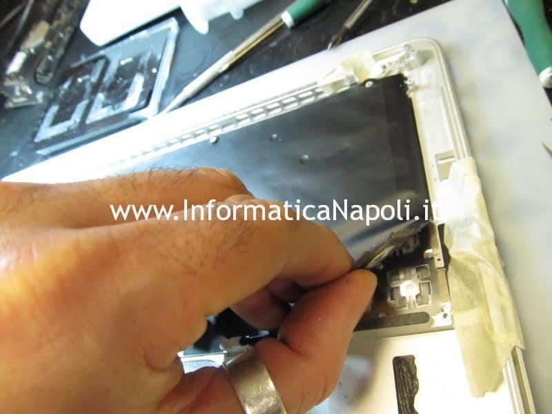 come sostituire tastiera e trackpad Apple MacBook pro 13 a1502