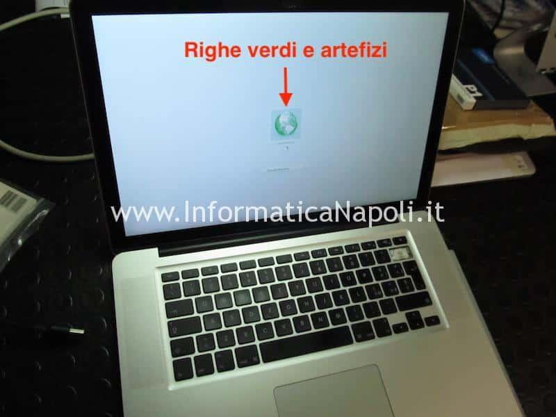 problema righe verticali macbook pro 15 2011
