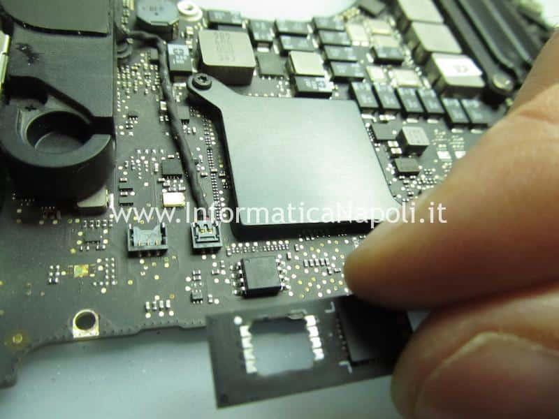 riparazione macbook pro 15 17 switch scheda video AMD