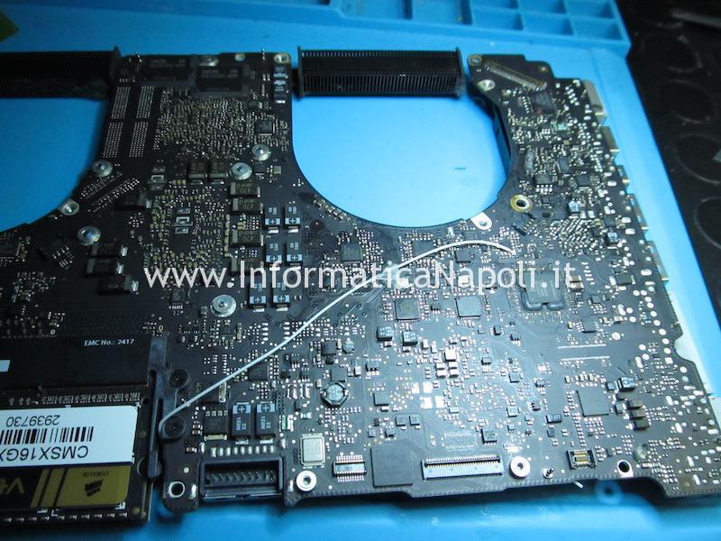 riparazione reballing rework disattivazione chip grafico AMD difettoso su MacBook pro 15 17 2011