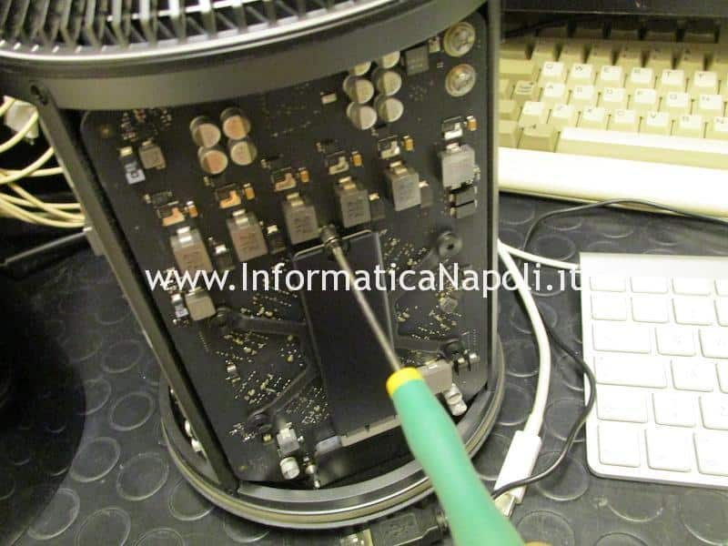 come aumentare disco SSD 1TB NVME m.2 su Apple Mac Pro late 2013 A1481 | assistenza Apple