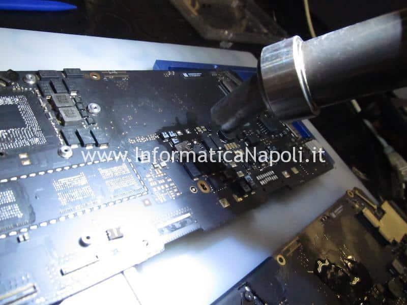 assistenza riparazioni MacBook Pro 13 A1502 non si accende guasto scheda madre motherboard 820-4924-A