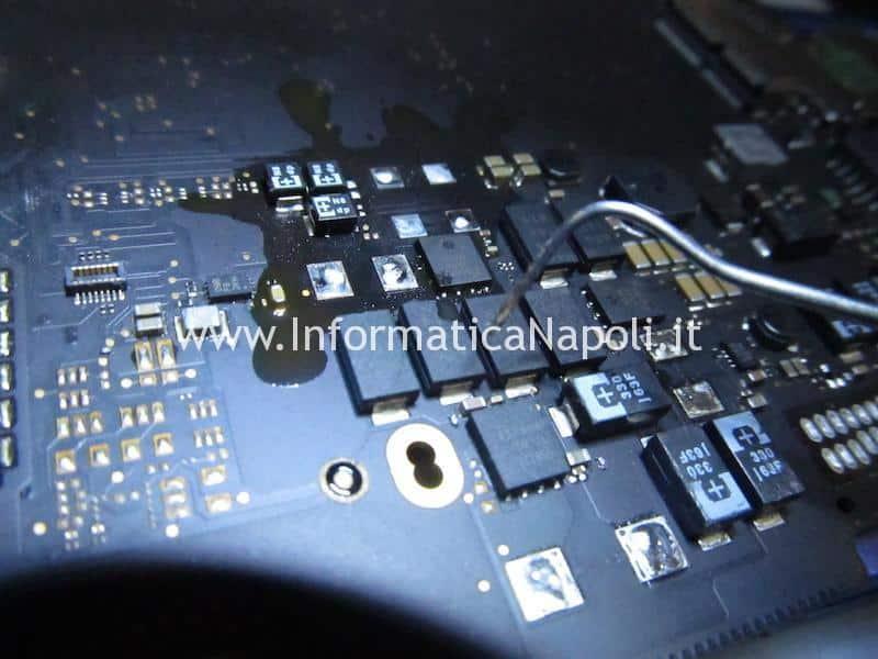 Problemi avvio accensione MacBook Pro 13 A1502 scheda madre motherboard 820-4924-A
