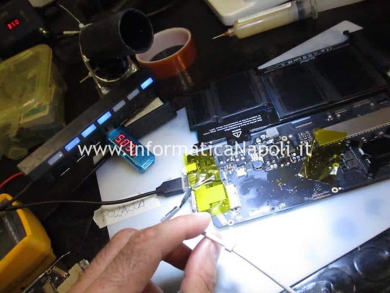 Problemi MacBook Pro 13 A1502 non si accende scheda logica in corto 820-4924-A