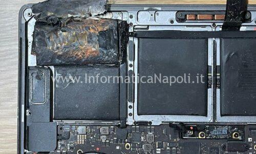 Un Apple MacBook Pro 15 A1707 2016 | 2017 si incendia improvvisamente!
