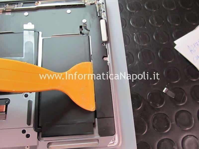 rimozione speaker Apple MacBook Air retina 13 2020 A2179