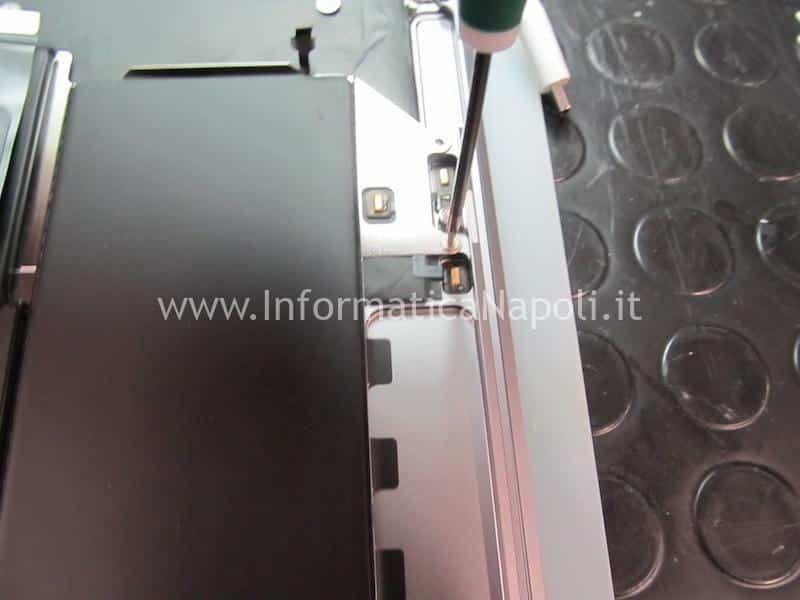 disassemblare Apple MacBook Air retina 13 2020 A2179