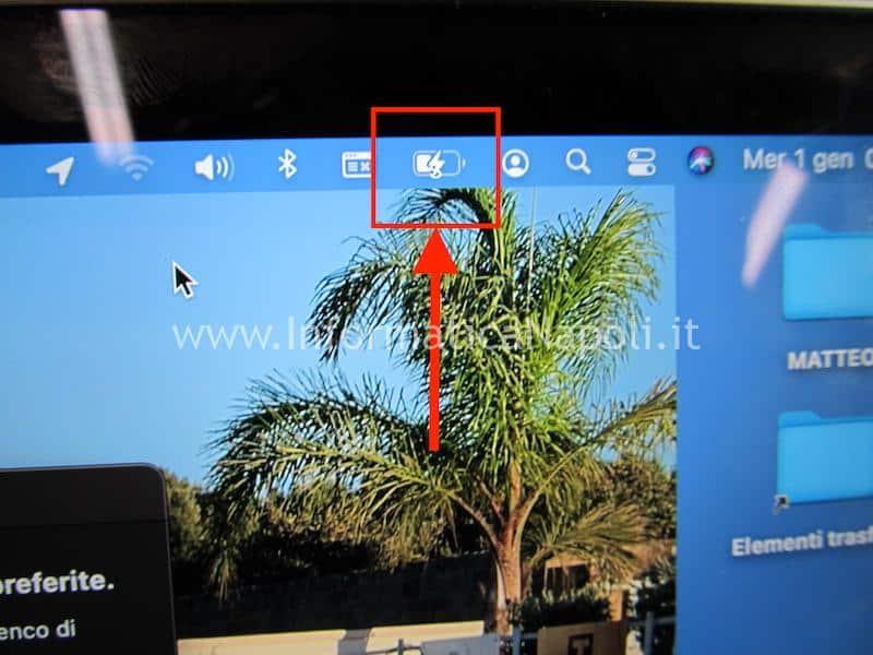 Danni da ossido MacBook 12 A1534 problemi ricarica batteria circuito alimentazione