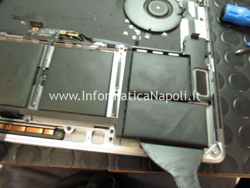 Sostituzione batteria MacBook Pro 15 Touchbar a1707