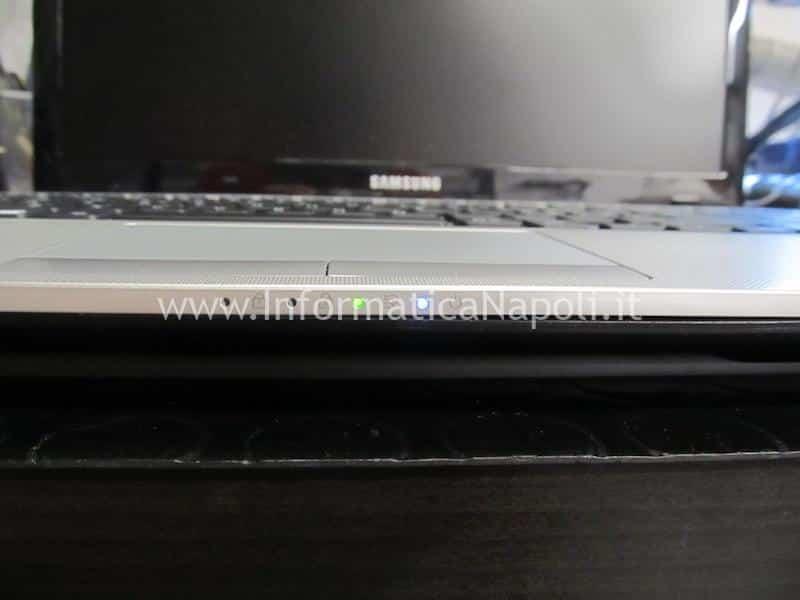 schermo nero Samsung NP275E