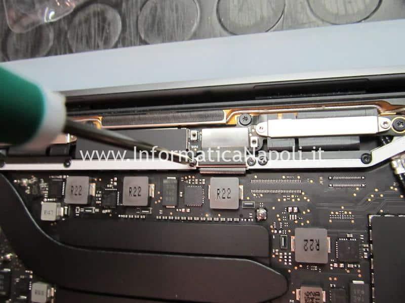 assistenza riparazione Danni da liquido MacBook Pro 2019 modello 2 porte Thunderbolt 3 A2159 820-01598-A