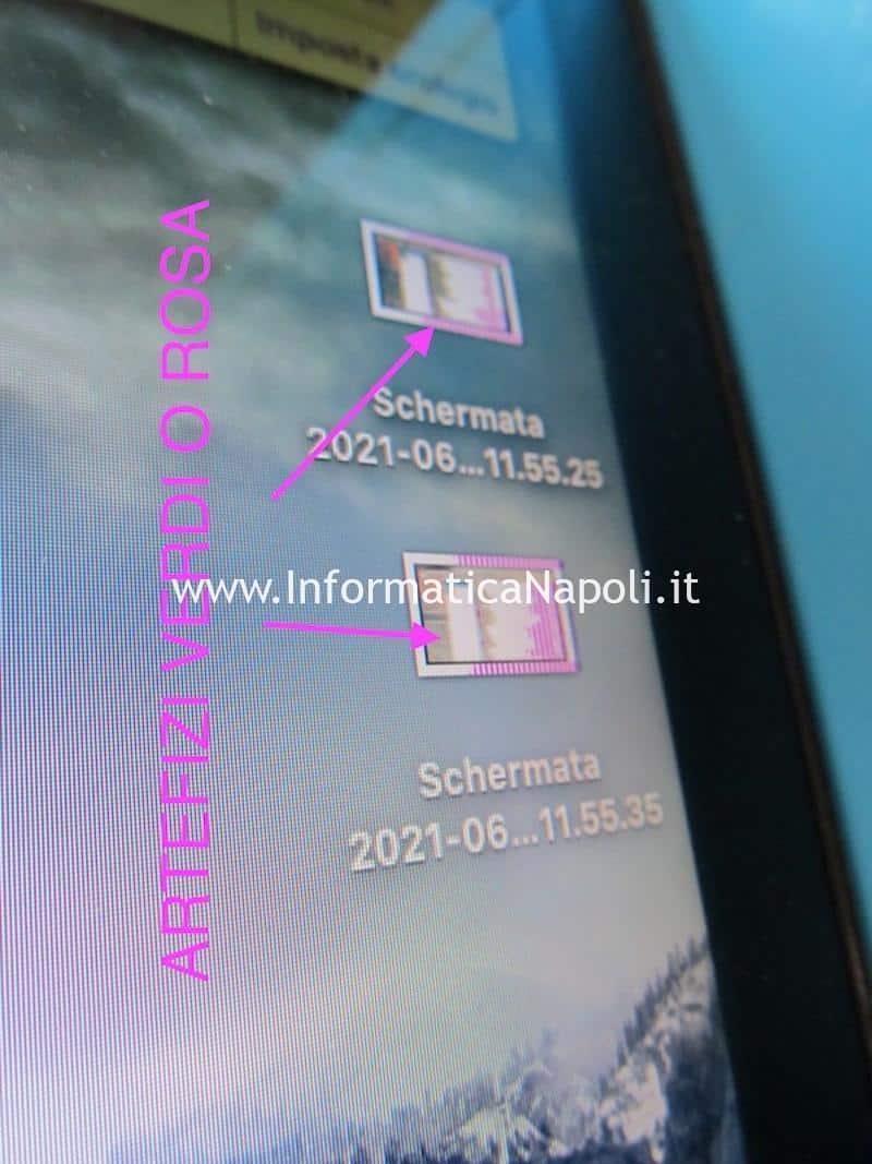 problemi artefizi e righe colorate verdi e rosa su schermo macbook pro 15 17 2008 2009 2010 2011 2012