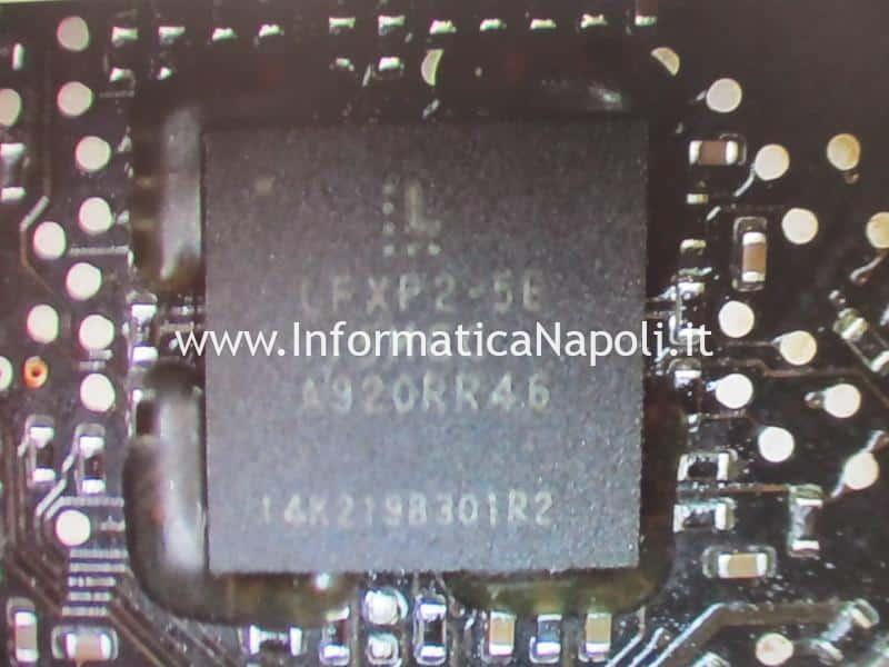 artefizi e righe colorate verdi e rosa su schermo macbook pro 15 17 2008 2009 2010 2011 2012 GMUX U9600 LFXP2