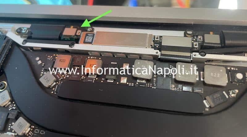 macbook pro 13 15 2016 2017 a1706 a1707 a1708 con problemi illuminazione flexgate riparato funzionante